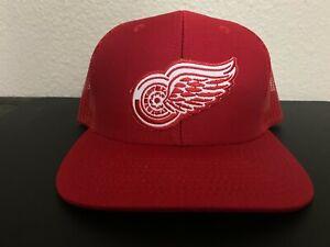 DETROIT RED WINGS NHL Hockey Logo Trucker Red & White Snapback Trucker Hat NEW