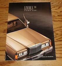 Original 1989 Lincoln Town Car Sales Brochure 89