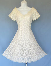 VTG 1990s SCAASI WEDDING DRESS SIZE 8 FLORAL LACE SEWN IN SUPPORTS $2800.00!!!