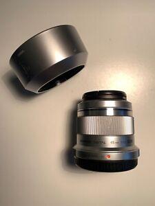 Obiettivo Olympus M. Zuiko 45mm F/1.8 Argento