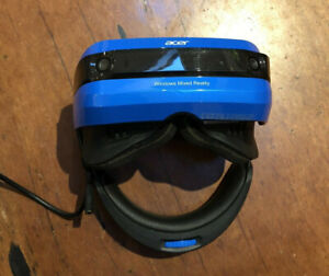 Acer Windows Mixed Reality VR Headset with controllers, Used with minimal wear