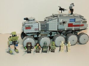 LEGO 75151 Star Wars Clone Turbo Tank, complete with minifuges.