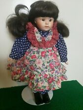 FRANKLIN Comme neuf HEIRLOOM Doll avec support