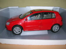 Bburago Volkswagen VW Golf 5 / Golf V rot red 4-türig Bj 2003 1:18
