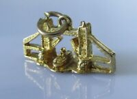 9ct Gold Charm - 9ct Yellow Gold London Tower Bridge Charm