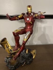 sideshow collectible Iron Man Mark VII Maquette statue figure