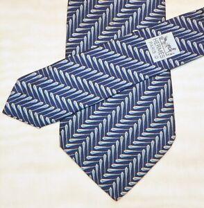 HERMES [ PARIS ] { 5334 TA } men's tie 100% Silk  Made in France