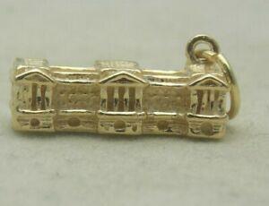 3D 9 CARAT GOLD BUCKINGHAM PALACE  CHARM
