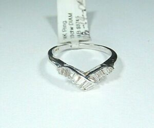 *VINTAGE* 14k White Gold 1/3CT  Baguette Diamond Chevron V Band  Ring Size 7
