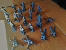 Vintage Airfix WW2 American Paratrooper Plastic Model Toy Soldiers 1:32 Scale