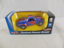 Maisto 11159 Chevrolet SSR Pick-up truck in Blue & Red   Scale 1:64 Boxed 2002
