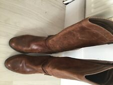 Clarks ladies brown leather boots size 8 good condition barely worn
