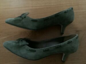 Marks and Spencer Green suede shoes size 6.5