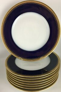 Hutschenreuther HUT769 (8) Eight dinner plates - Gold encrusted