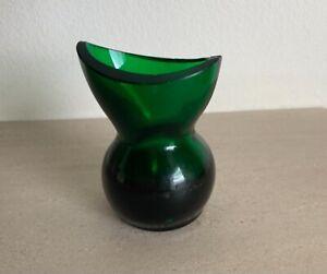 VINTAGE Green Glass EYE BATH Optical Medical Wash Cup