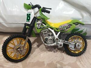 X Stuntz Finger Dirt Bike 15 Field Runner + Finger scooter