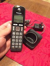 NEW NO BOX Panasonic KX-TGDA20 Handset With Base And Adapter