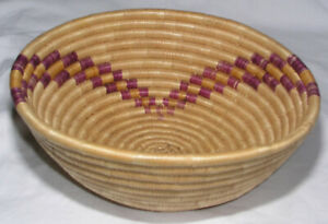 Coil Pine Needle Basket Hand Made Curved Geometric Pattern Vintage 8 Inch Mint