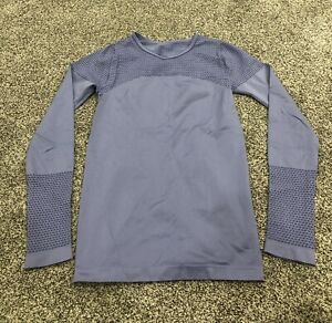 Fabletics Perriwinkle Long Sleeve M Athletic Shirt Breathable Stretchy A6