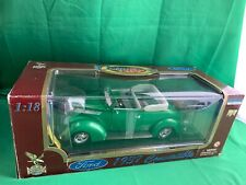 1937 FORD CONVERTIBLE 1:18 DIECAST CAR ROAD LEGENDS GREEN NIB