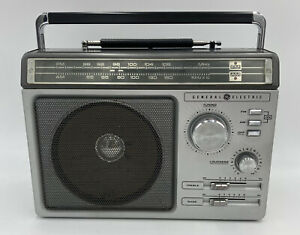 General Electric 1980 GE 7-2881C VTG AM/FM Portable Radio Rare Tested Working