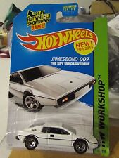 Hot Wheels Lotus Esprit S1 007 James Bond The Spy Who Loved Me White