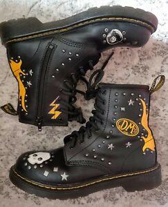Dr Martens 1460 Black studded Leather Boots skulls 💀  flames 🔥 4/37 Doc's DM's