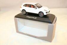 Minichamps 1:43 Porsche Cayenne S White mint in box