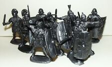 Plastic toy soldiers. Roman legionaries. Infantry #1. 1/32 scale. Silver color.