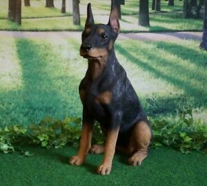 Tierfigur Hund Dobermann 61cm lebensecht handbemalt Skulptur Deko Garten Haus