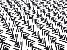 Stoff Baumwolle Popeline Fischgrät Pfeile Dreiecke schwarz weiß Kleiderstoff