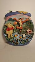 WALT DISNEY THE BRADFORD EXCHANGE WINNIE THE POOH 3D COLLECTORS PLATE. EXC. COND