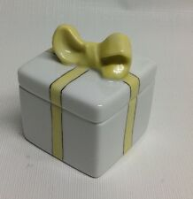 Vintage CHAMART LIMOGE YELLOW GIFT BOX PORCELAIN TRINKET BOX