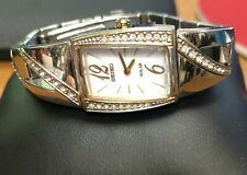 Pre-owned Seiko Women's Two Tone Dress Solar White Dial Watch V115-0BB0