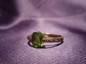 Modern Arc Set Bright Peridot ISG 10K Gold Ring Size 10
