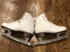 Riedell 17 Girl Figure Ice Skates, Size 2 1/2 W, Topz082 Blades