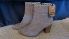 Hippie Laundry studded Suede Ankle Boots 8 M Womens Gray NWT