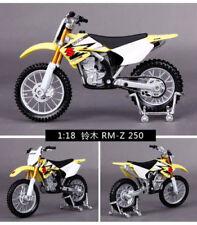Motos et quads miniatures rouge pour Suzuki