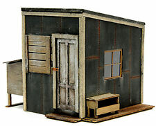BANTA MODELWORKS LINESIDE TOOL SHED F G 1:20.3 Model Railroad Structure BM8144