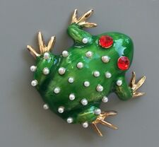 Vintage style Frog Brooch in enamel on metal with faux pearl