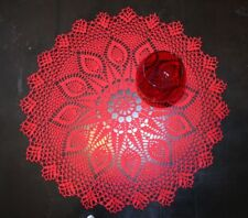 NUOVA Grande Handmade Doily in rosso con design di foglie delicato
