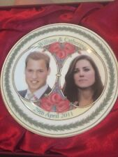 Prince William and Catherine ( Kate) Royal Souvenir Ceramic Plate new with stand