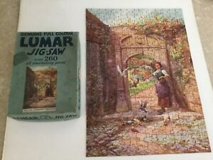 Vintage Lumar Puzzle No 216 Feeding the Pigeons Boxed Complete over 260 Pieces