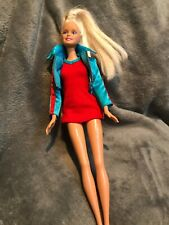 1999 barbie Wearing 1st wave and generation girl tori Clothing C1