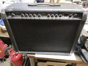 BEHRINGER V TONE GMX 210 COMBO AMP Verstärker