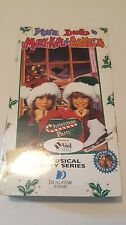 Mary-Kate & Ashley Olsen - You're Invited to Mary-Kate & Ashley's Christmas...
