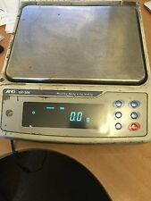 A AND D INSTRUMENT LABORATORY SCALES , GX - 30K - EC