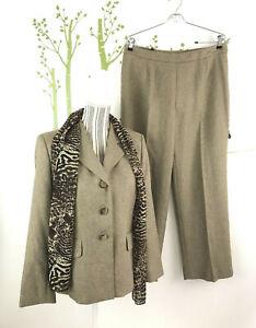Le Suit Womes Petite Size 10P 3 PC Suit Set Blazer Pants Scarf Career Wear