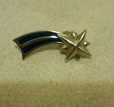 Vintage Avon Shooting Star 1988 1989 Pin/Brooch, Nice silver star & 2 blue rays!