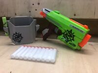 Side Strike NERF Zombie Strike SIDESTRIKE BLASTER Quick Draw With Holster Ammo